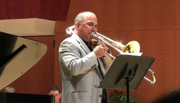 Joe Alessi Performs Daybreak